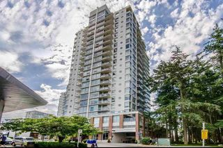 Photo 1: 303 15152 RUSSELL AVENUE: White Rock Condo for sale (South Surrey White Rock)  : MLS®# R2134958