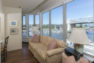 Photo 11: 750 1675 HORNBY STREET in Vancouver: Yaletown Condo for sale (Vancouver West)  : MLS®# R2270384