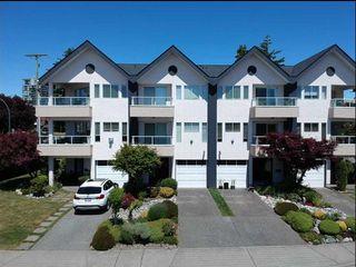 Photo 2: 15305 Roper Avenue: White Rock Townhouse for sale (South Surrey White Rock)