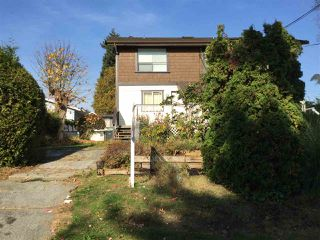 Main Photo: 909A RODERICK Avenue in Coquitlam: Maillardville House 1/2 Duplex for sale : MLS®# R2396547