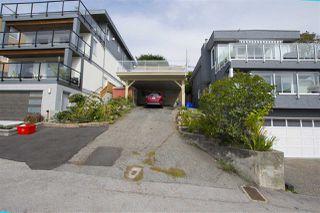 Photo 3: 15316 VICTORIA Avenue: White Rock House for sale (South Surrey White Rock)  : MLS®# R2411385