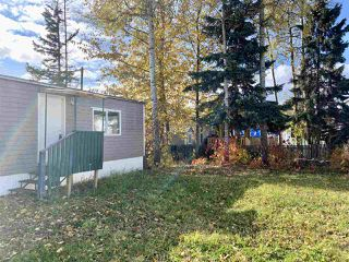 "Photo 3: 55 95 LAIDLAW Road in Smithers: Smithers - Rural Manufactured Home for sale in ""MOUNTAINVIEW MOBILE HOME PARK"" (Smithers And Area (Zone 54))  : MLS®# R2411956"