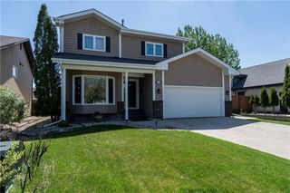 Photo 1: 10 Eglinton Crescent in Winnipeg: Whyte Ridge Residential for sale (1P)  : MLS®# 202012178