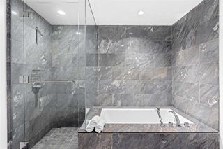 """Photo 21: 2801 1111 ALBERNI Street in Vancouver: West End VW Condo for sale in """"Shangri-La"""" (Vancouver West)  : MLS®# R2492425"""