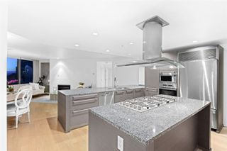 """Photo 8: 2801 1111 ALBERNI Street in Vancouver: West End VW Condo for sale in """"Shangri-La"""" (Vancouver West)  : MLS®# R2492425"""