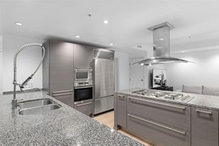 """Photo 6: 2801 1111 ALBERNI Street in Vancouver: West End VW Condo for sale in """"Shangri-La"""" (Vancouver West)  : MLS®# R2492425"""