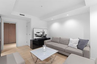 """Photo 4: 2801 1111 ALBERNI Street in Vancouver: West End VW Condo for sale in """"Shangri-La"""" (Vancouver West)  : MLS®# R2492425"""