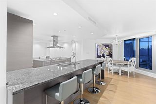 """Photo 9: 2801 1111 ALBERNI Street in Vancouver: West End VW Condo for sale in """"Shangri-La"""" (Vancouver West)  : MLS®# R2492425"""