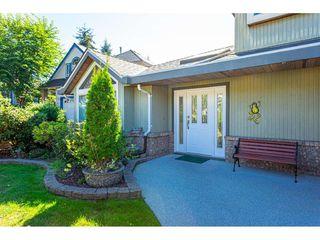 """Photo 4: 8168 154 Street in Surrey: Fleetwood Tynehead House for sale in """"FAIRWAY PARK"""" : MLS®# R2497613"""