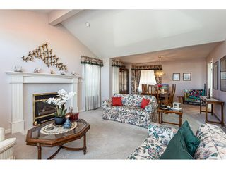 """Photo 10: 8168 154 Street in Surrey: Fleetwood Tynehead House for sale in """"FAIRWAY PARK"""" : MLS®# R2497613"""