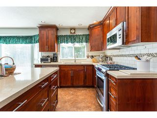 """Photo 16: 8168 154 Street in Surrey: Fleetwood Tynehead House for sale in """"FAIRWAY PARK"""" : MLS®# R2497613"""