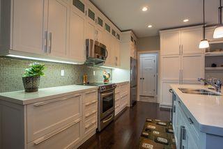 Photo 3: 20 381 Oak Forest Crescent: Single Family Detached for sale (5W)