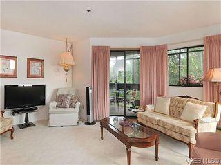 Photo 3: 414 1560 Hillside Ave in VICTORIA: Vi Oaklands Condo Apartment for sale (Victoria)  : MLS®# 620343