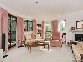 Photo 2: 414 1560 Hillside Ave in VICTORIA: Vi Oaklands Condo Apartment for sale (Victoria)  : MLS®# 620343