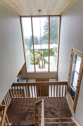 Photo 2: 1130 Kilmer Road in North Vancouvr: Lynn Valley House for sale (North Vancouver)  : MLS®# V992645