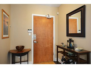 Photo 2: # 1302 1483 W 7TH AV in Vancouver: Fairview VW Condo  (Vancouver West)  : MLS®# V1052673