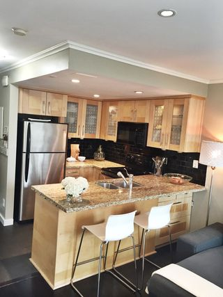Photo 3: 13 1870 Yew Street in Vancouver: Kitsilano Townhouse for sale (Vancouver West)