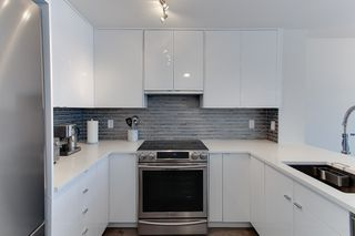 Photo 2: 206 2815 YEW STREET in Vancouver: Kitsilano Condo for sale (Vancouver West)  : MLS®# R2064254