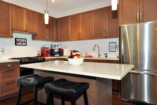 Photo 7: 320 15850 26 AVENUE in Surrey: Grandview Surrey Condo for sale (South Surrey White Rock)  : MLS®# R2289480