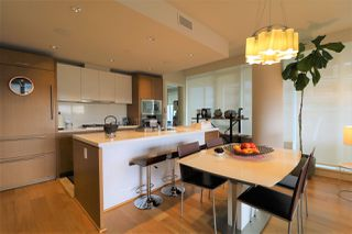 Photo 5: 302 888 ARTHUR ERICKSON PLACE in West Vancouver: Park Royal Condo for sale : MLS®# R2349158