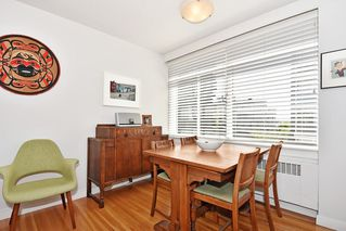 Photo 9: 311 1975 PENDRELL Street in West Vancouver: West End VW Condo for sale (Vancouver West)  : MLS®# R2396117