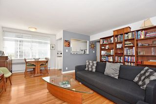 Photo 5: 311 1975 PENDRELL Street in West Vancouver: West End VW Condo for sale (Vancouver West)  : MLS®# R2396117