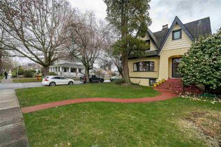 Photo 3: 208 W 23RD AVENUE in Vancouver: Cambie House for sale (Vancouver West)  : MLS®# R2444965