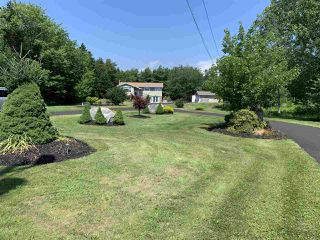Photo 1: 281 Highway 1 in Mount Uniacke: 105-East Hants/Colchester West Residential for sale (Halifax-Dartmouth)  : MLS®# 202014586