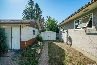 Photo 3: 22 Webb Crescent in Saskatoon: Brevoort Park Residential for sale : MLS®# SK823600