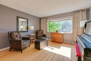 Photo 7: 136 41 Avenue NW in Calgary: Highland Park Semi Detached for sale : MLS®# A1027994