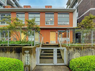 Main Photo: 1 395 Tyee Rd in : VW Victoria West Row/Townhouse for sale (Victoria West)  : MLS®# 856560