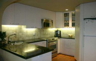 Photo 3: 812 MILLBANK BB in Vancouver: False Creek Townhouse for sale (Vancouver West)  : MLS®# V566347