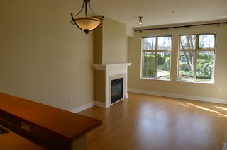 """Photo 3: 116 2083 W 33RD Avenue in Vancouver: Quilchena Condo for sale in """"DEVONSHIRE HOUSE"""" (Vancouver West)  : MLS®# V939499"""