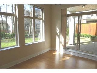 """Photo 2: 116 2083 W 33RD Avenue in Vancouver: Quilchena Condo for sale in """"DEVONSHIRE HOUSE"""" (Vancouver West)  : MLS®# V939499"""