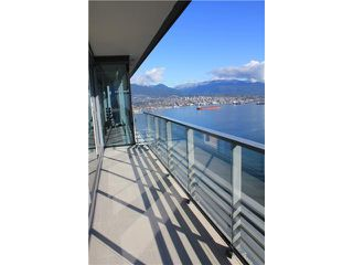 Photo 3: 4402 1011 E Cordova Street in Vancouver: Coal Harbour Condo for sale (Vancouver West)  : MLS®# v916864