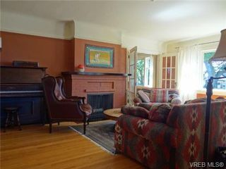 Photo 5: 1704 Hollywood Cres in VICTORIA: Vi Fairfield East Single Family Detached for sale (Victoria)  : MLS®# 648626