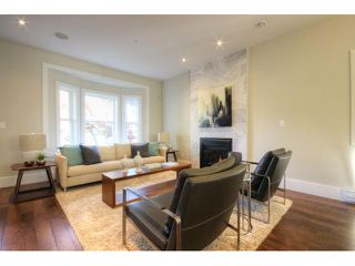 Photo 3: 928 E 20TH AV in Vancouver: Fraser VE House for sale (Vancouver East)  : MLS®# V1032676