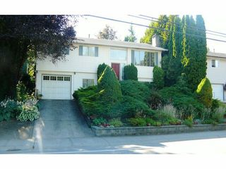 Photo 1: 3635 OLD CLAYBURN Road in Abbotsford: Abbotsford East House for sale : MLS®# F1417801