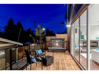 Photo 2: 769 E 14TH Avenue in Vancouver: Mount Pleasant VE 1/2 Duplex for sale (Vancouver East)  : MLS®# V1079830