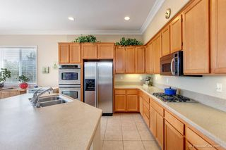 Photo 7: Residential for sale : 3 bedrooms : 5570 COYOTE CRT in CARLSBAD