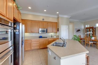 Photo 8: Residential for sale : 3 bedrooms : 5570 COYOTE CRT in CARLSBAD