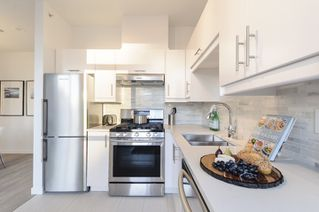 Photo 7: 2202 1239 W GEORGIA STREET in Vancouver: Coal Harbour Condo for sale (Vancouver West)  : MLS®# R2048066