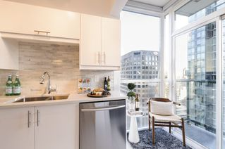 Photo 11: 2202 1239 W GEORGIA STREET in Vancouver: Coal Harbour Condo for sale (Vancouver West)  : MLS®# R2048066