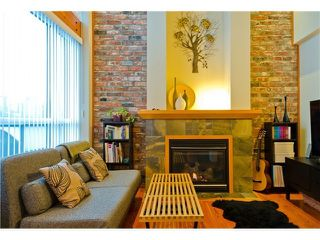 Photo 2: 110 7 RIALTO COURT in New Westminster: Quay Condo for sale : MLS®# R2110711