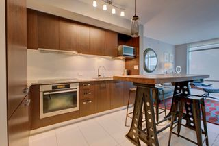 Photo 3: 1028 Barclay St, in Vancouver: Condo for lease