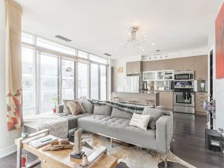 Photo 6: 90 Stadium Rd Unit #829 in Toronto: Niagara Condo for sale (Toronto C01)  : MLS®# C4246586