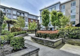 Photo 2: 334 13728 108 Avenue in North Surrey: Whalley Condo for sale
