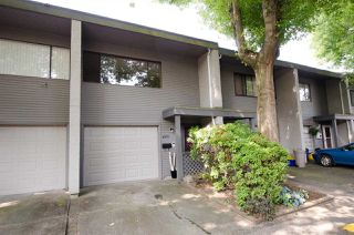 Photo 16: 4975 RIVER REACH in Delta: Ladner Elementary Townhouse for sale (Ladner)  : MLS®# R2329819