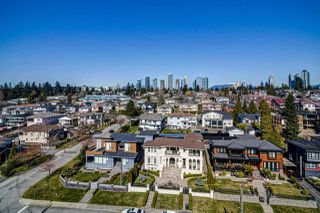 Photo 2: 4516 NEVILLE Street in Burnaby: South Slope House for sale (Burnaby South)  : MLS®# R2445841