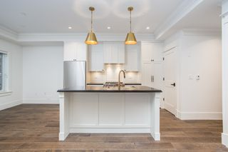 """Photo 2: 1779 W 16 Avenue in Vancouver: Kitsilano Townhouse for sale in """"Heritage by Formwerks"""" (Vancouver West)  : MLS®# R2448707"""